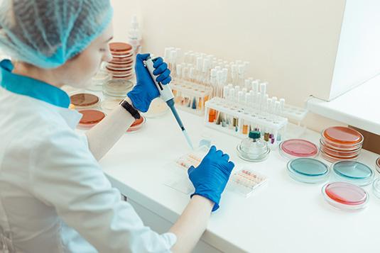 img-convenio-laboratorio-clinico-uc-01